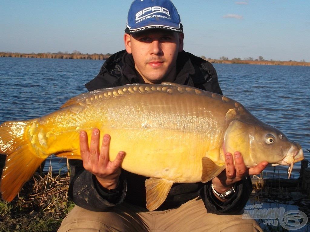 A nap utolsó 10+os hala, egy 10,06 kg-os tükörponty