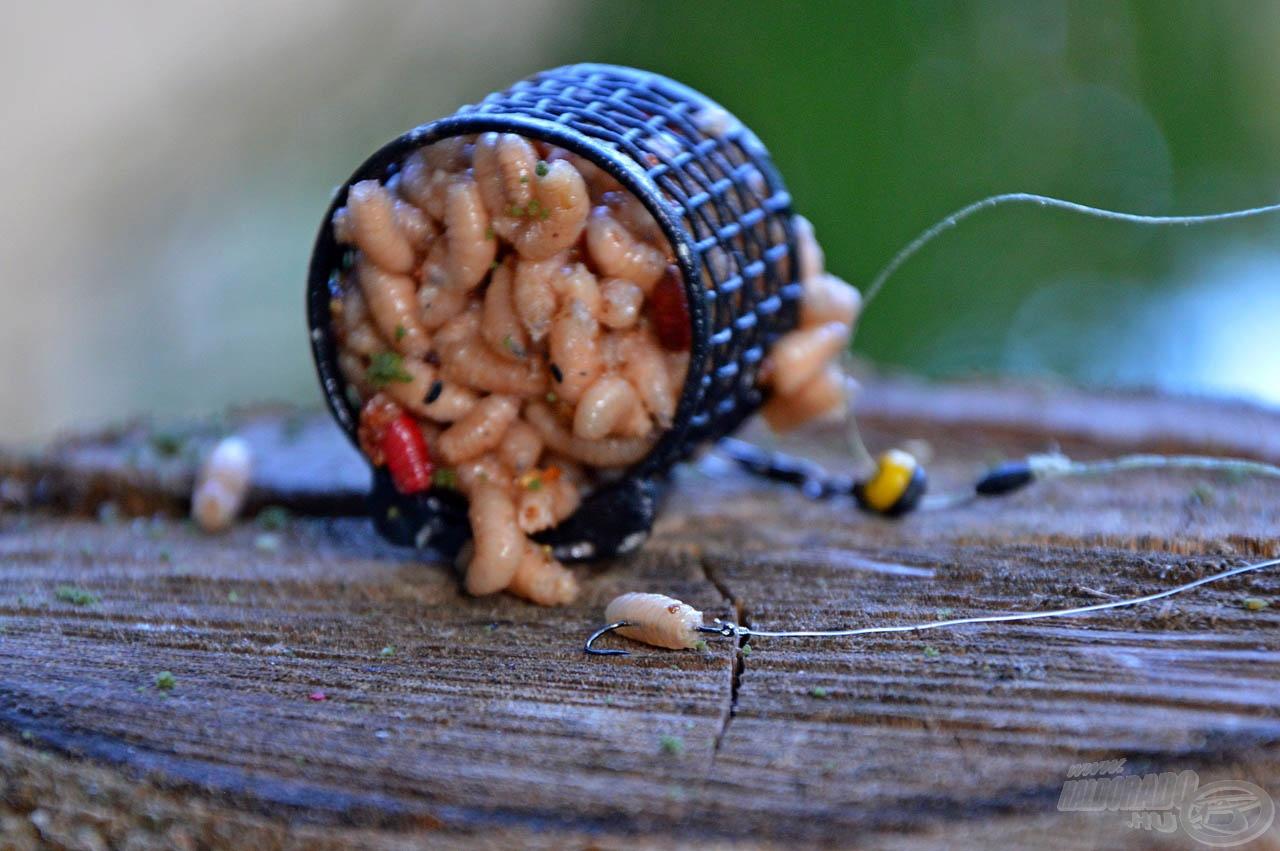 A horogfülre kerülő kötés miatt a csonti élethűen mozoghat, míg a horogszárra kerülő csomó kicsit elmerevíti a csali mozgását