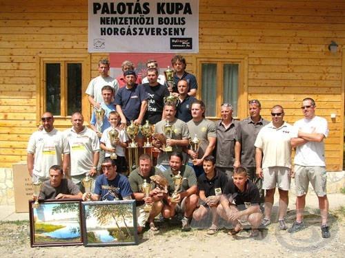 Az első tíz helyezett csapat nagy értékű díjazásban részesült