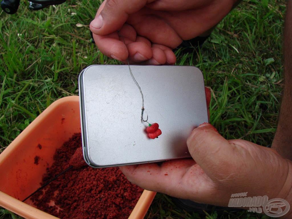 Haldorádó Vörös Démon Hybrid Pellet felcsalizva