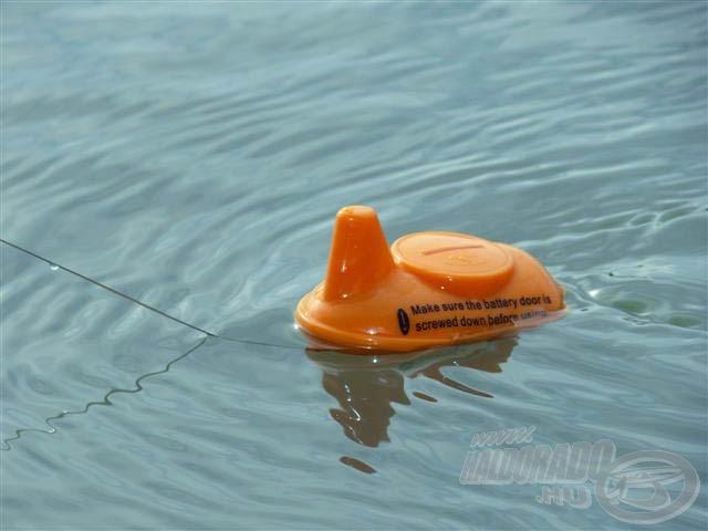 """Ahogy vízbe kerül, azonnal kommunikál (rádióhullámok segítségével) a vevőegységgel és """"elárulja"""", hogy mit lát"""
