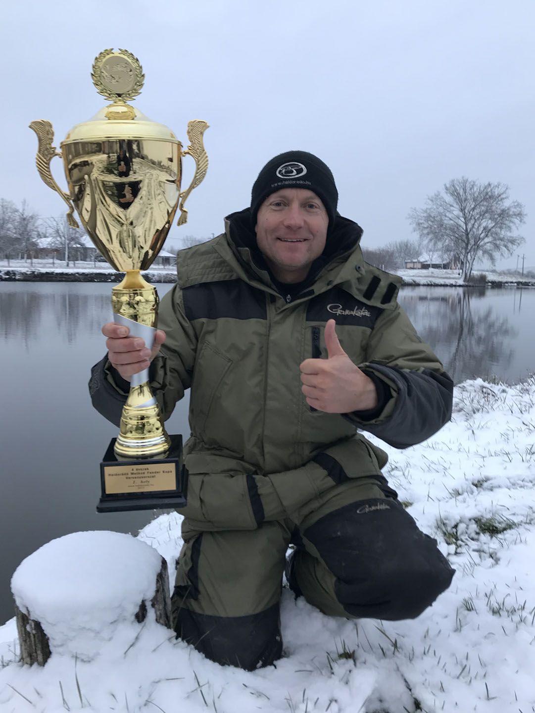 Hab a tortán, hogy sikerült a Haldorádó 4 évszak Method Feeder Kupa sorozatot is megnyernem, évadzárásként!