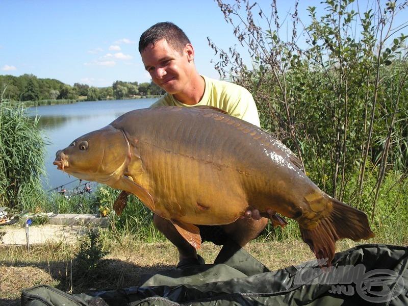 Az első lőrintei halam ez a termetes, 15,80 kg-os, gigászi erővel megáldott tükrös volt