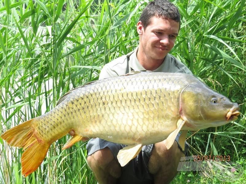 Ez a 14,30 kg-os pikkelyes lett a forgatás legnagyobb hala