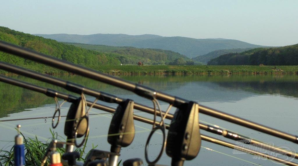 Látkép a Harsányi Horgásztó partjáról