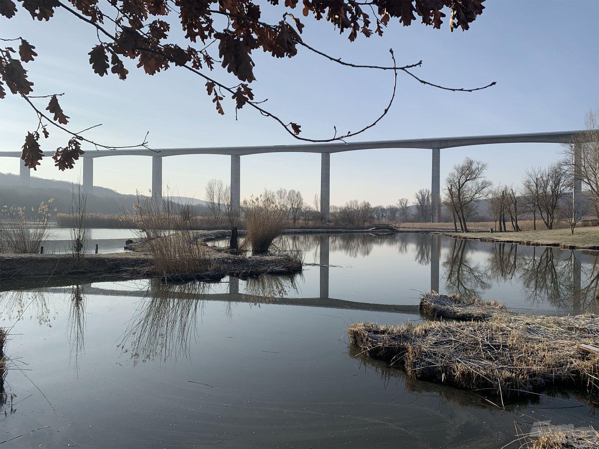 Nemcsak a hídról, de a hídra is szép a kilátás