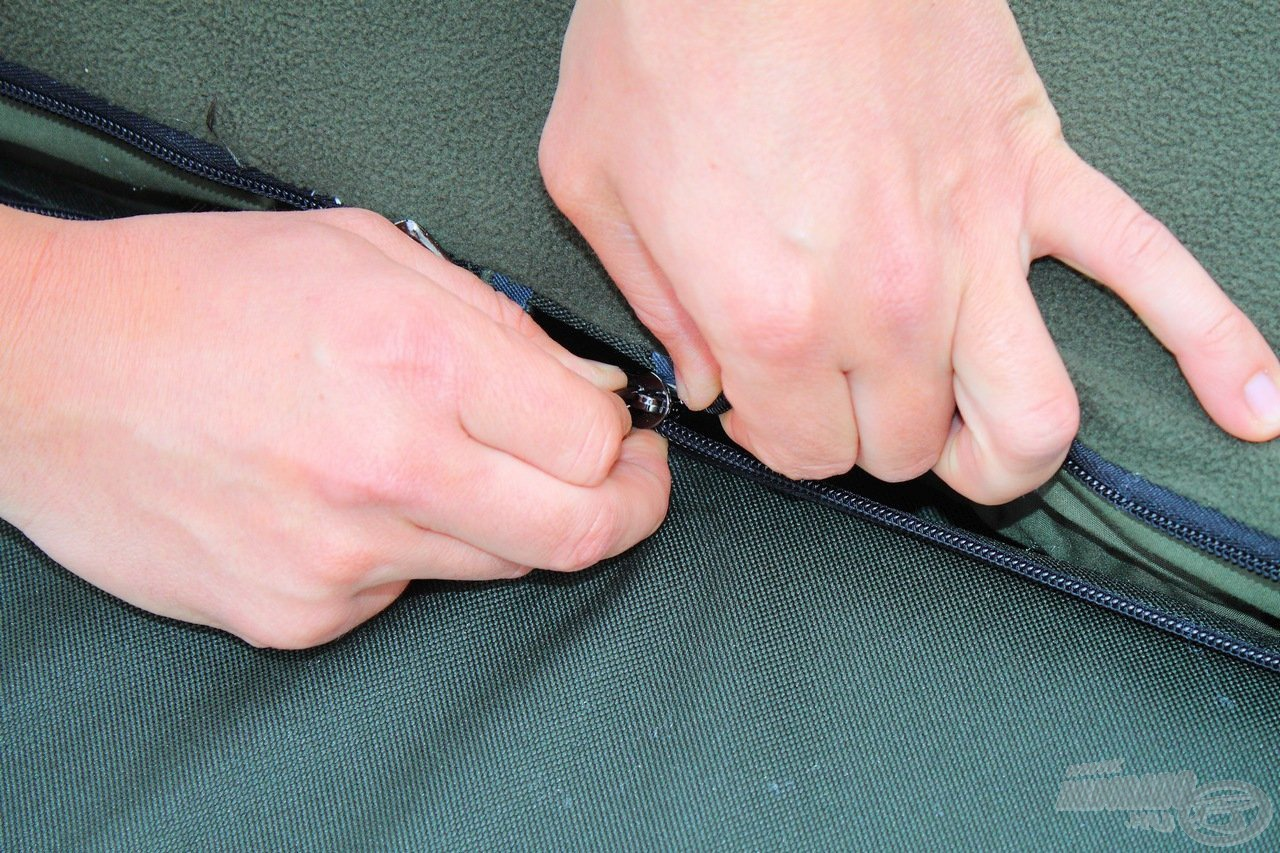 A matrac egy nagyon erős, strapabíró cipzárral távolítható el…