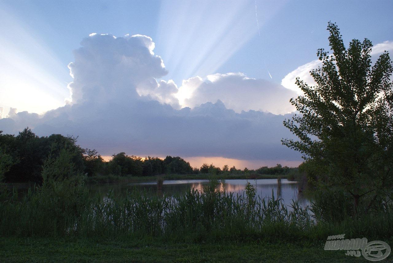 A Garden Lake megérkezésemkor felém küldte a remény sugarait, hogy talán nem ázom meg.