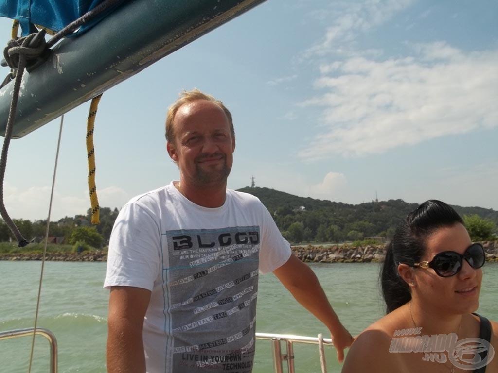 Zolcsi a kapitány és Flóra a tengerész