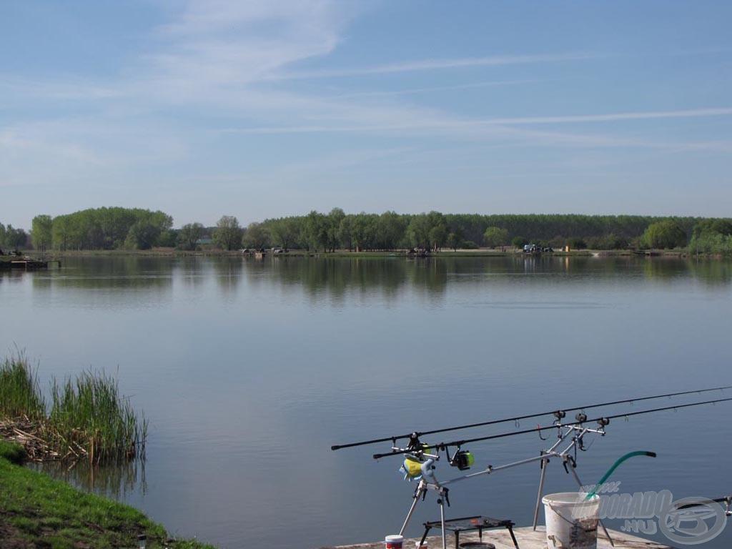 A tó szépsége lenyűgöző