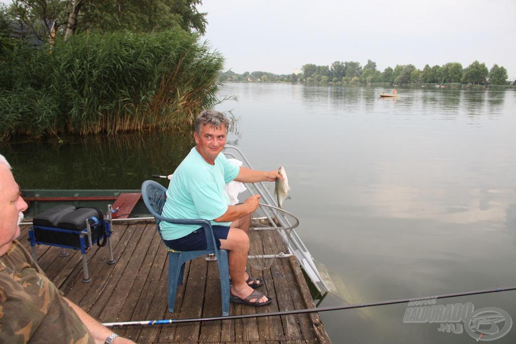 10-11 méterre horgászva szép keszegeket fogtunk