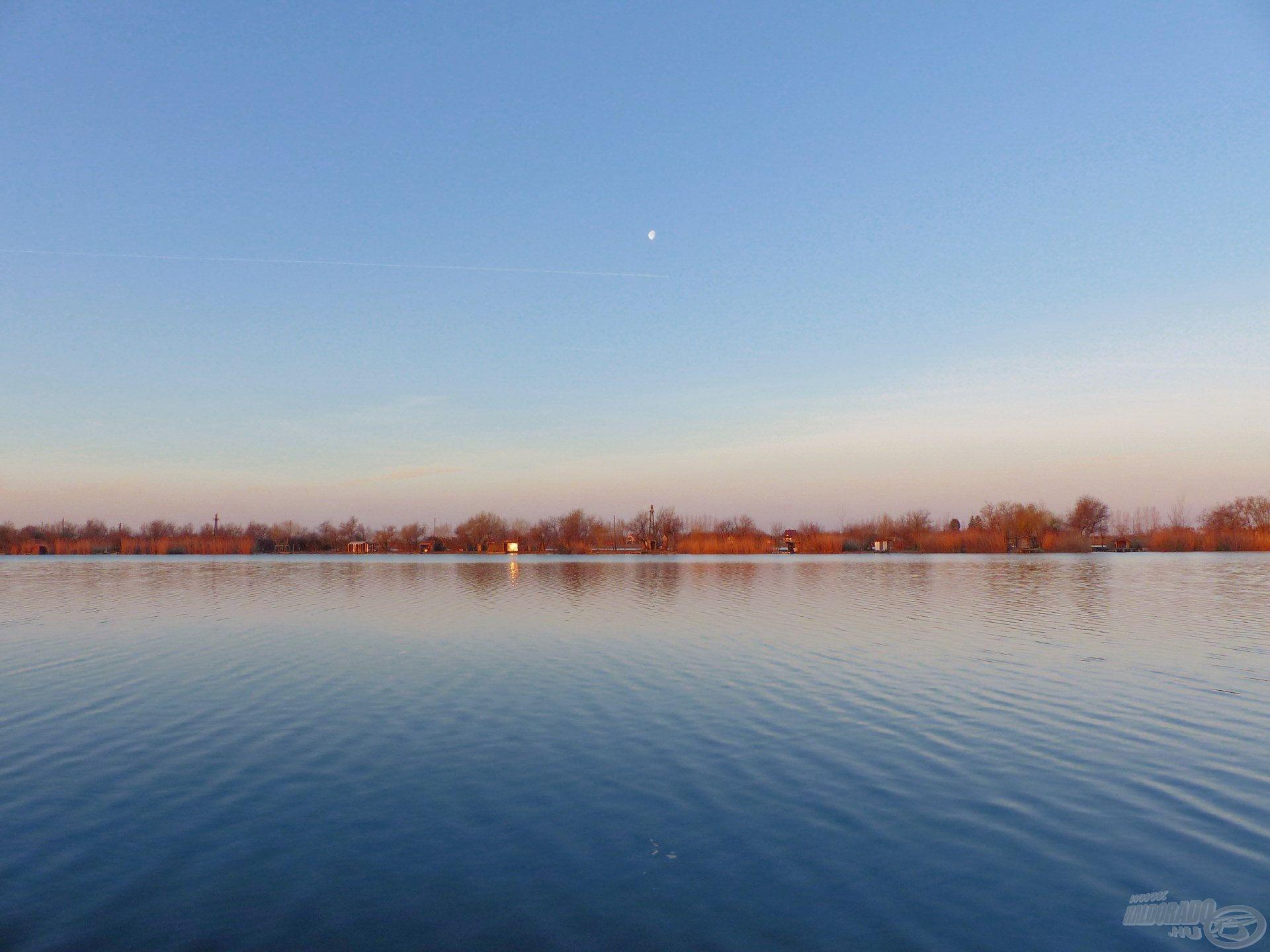 A horgászat helyszíne, a hazai pályám, a Csaba-tó