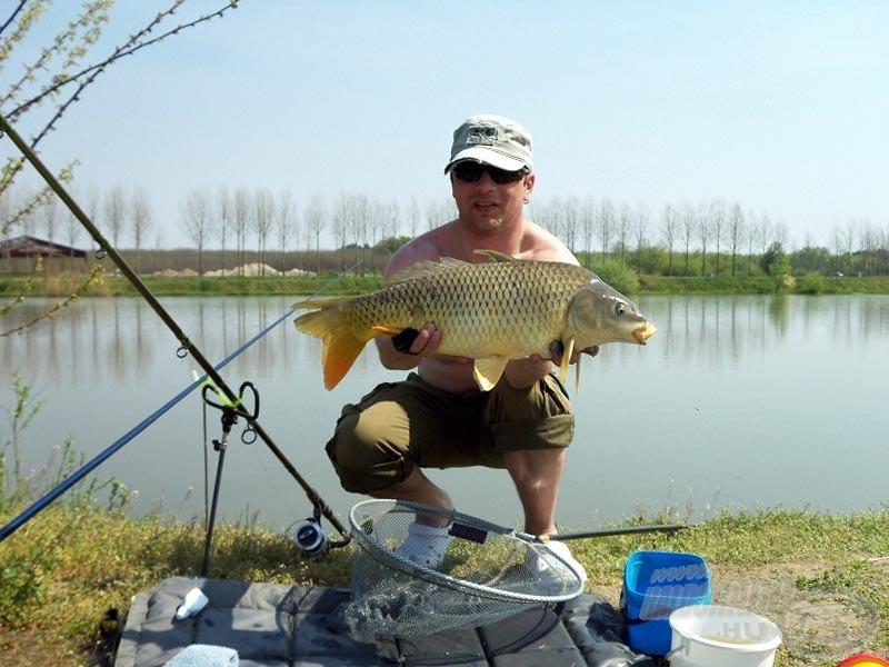 4,7 kg, de az itteni állomány erőtől duzzad, ezek a halak nem adják könnyen magukat