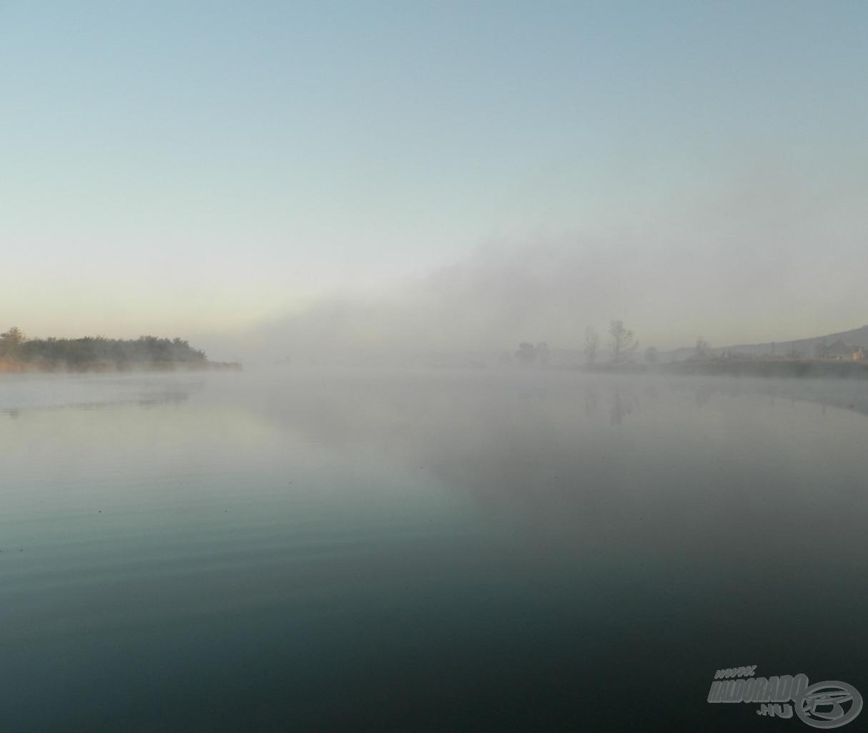 Fagyos hajnal a Kengyel-tavon