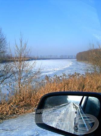 Jég alatt az öreg folyó