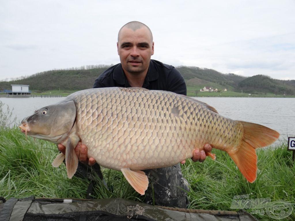 Katona Szabolcs és a verseny legnagyobb hala