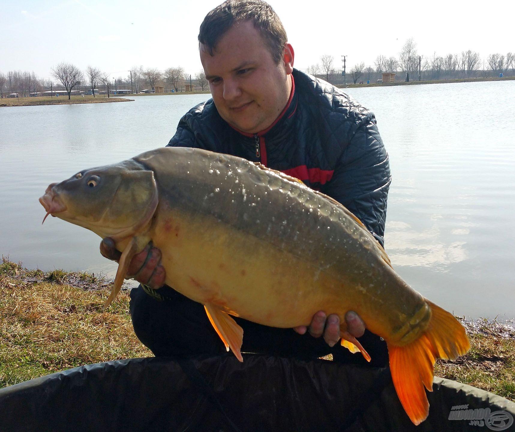 Újabb szép hal(ak)nak örülhetett Gergő, jól alakult a horgászat!