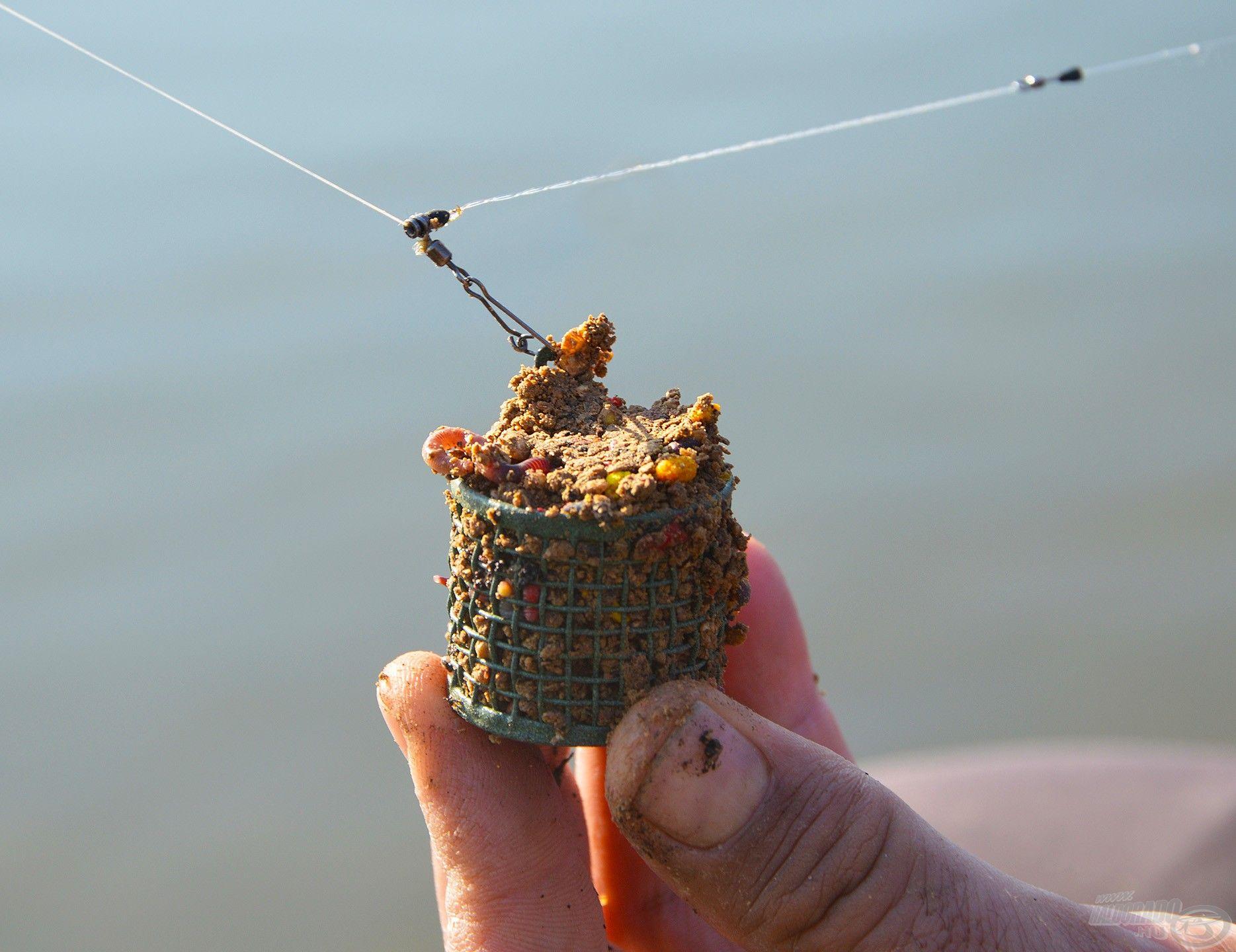 Jól tapadó és nem kifejezetten gyorsan bontó anyagra van szükség ahhoz, hogy a lassan áramló vízben koncentrálni lehessen a halakat
