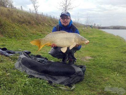 Téli horgászat tavaszi időjárásban