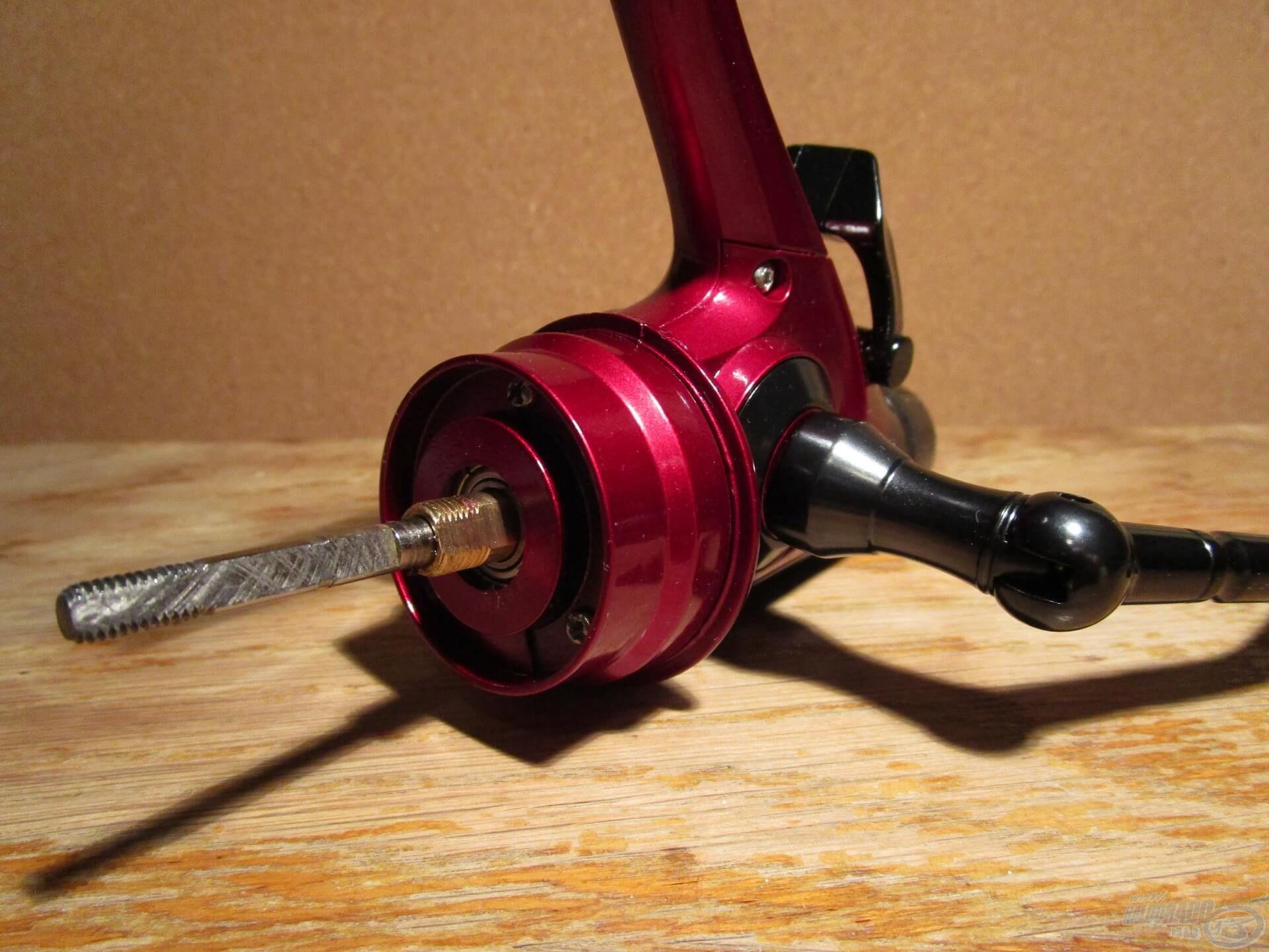 A rotor alatt szintén egy új megoldás bújik meg. Ez nem más, mint a Fine Carp és Pro Method orsókból ismert, zárt házas tűgörgős csapágy