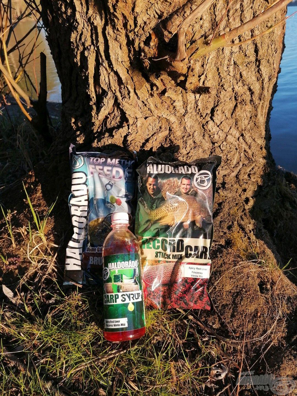Top Method Feeder és Record Carp Stick Mix + Carp Syrup Fűszeres Vörös Májas változatban, az egyik kiválasztott keverék