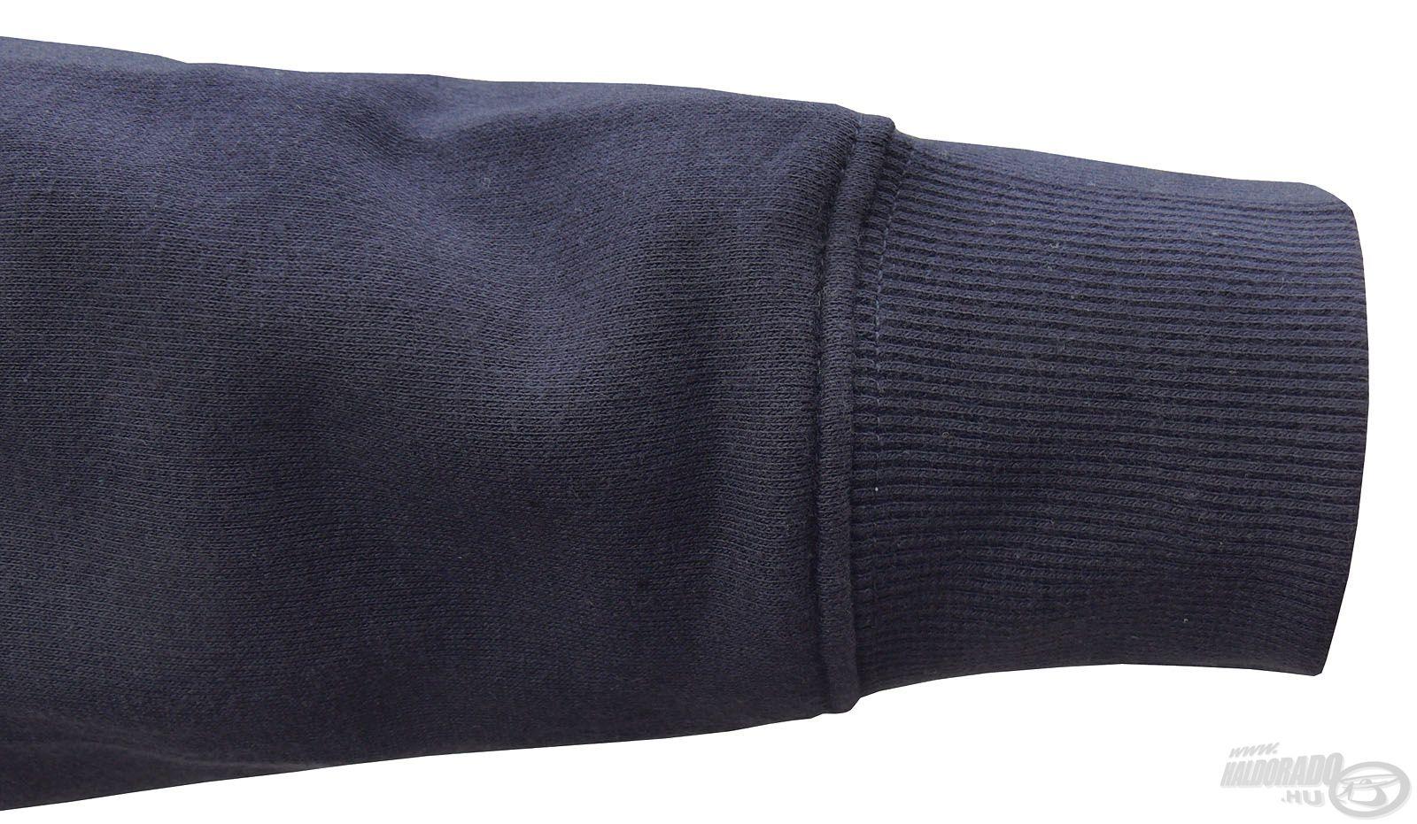 A rugalmas, gumírozott ujjvégnek köszönhetően a hideg egész biztosan nem tud befújni a csuklónknál, ezzel is növelve a komfortérzetet
