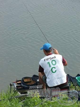 Ez a versenyző az ivadékokra vadászott. Ha csak ezt adta a hely, erre kellett horgászni