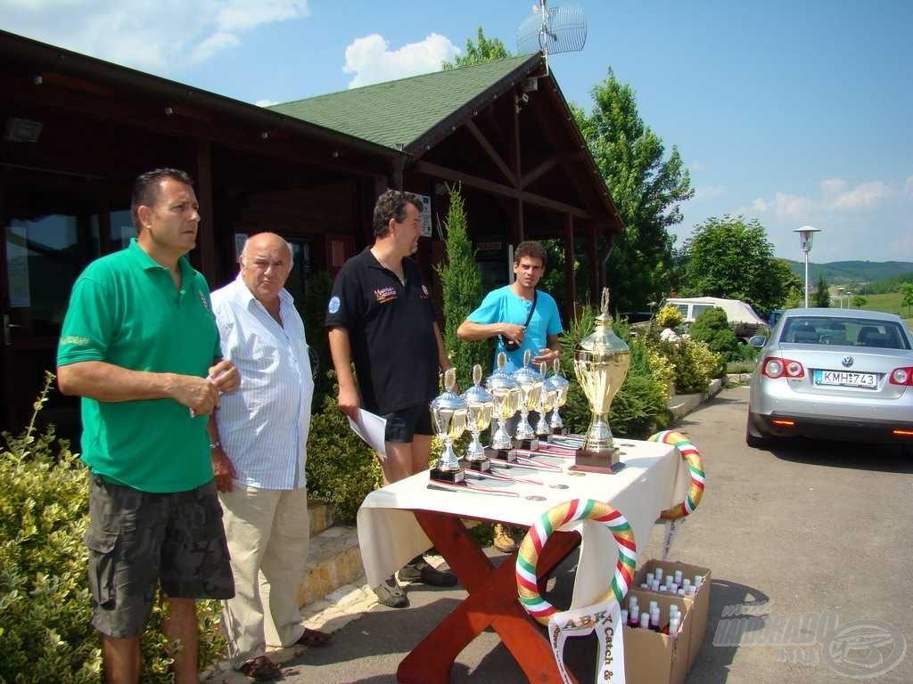 Az eredmény kihirdetésén részt vett Bárány Levente, a MOHOSZ versenyfelelőse…