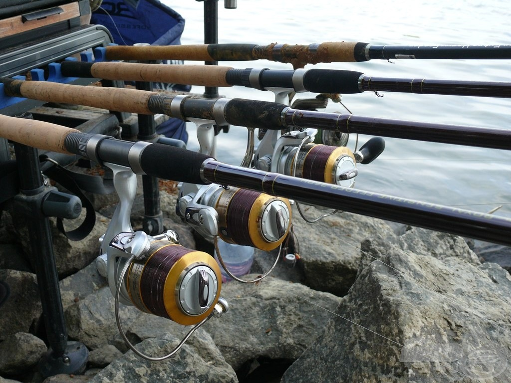 3 azonos paraméterű feederrel horgásztam, mindhárom botra Spro Special Feeder 555 orsót raktam