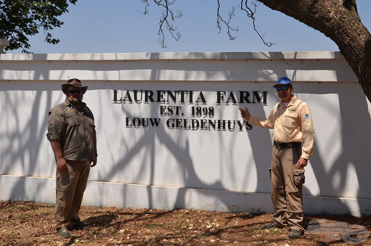 A Laurentia Farm bejárata. Az évszámból kiderül, hogy nem most kezdték…!