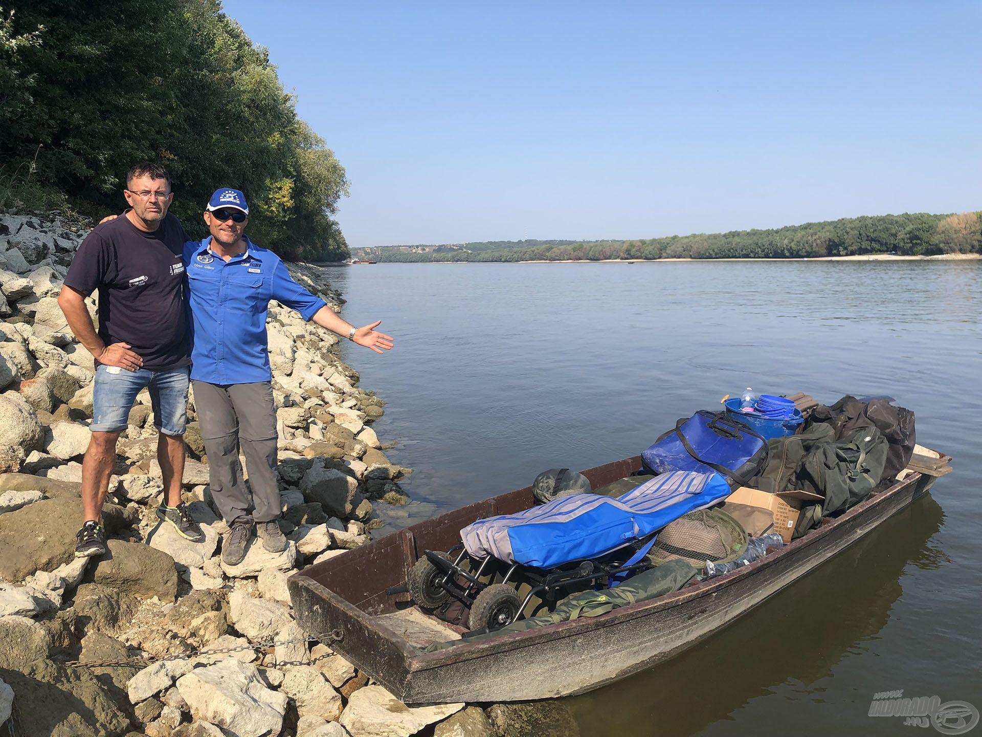 Több napos horgászatra készültünk, a felszerelést csónakkal szállítottuk a horgászhelyre