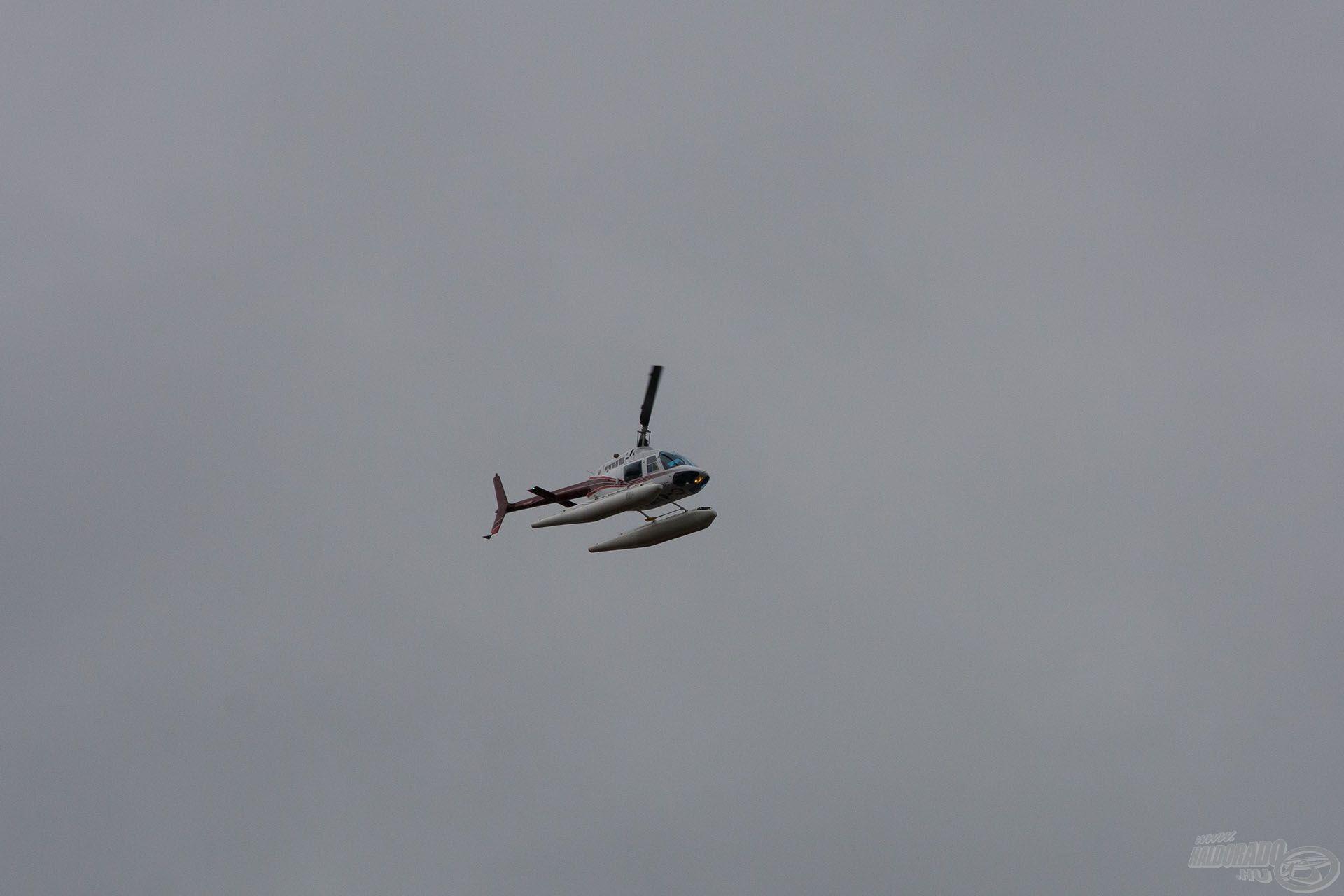 A halőrök itt helikopterrel járnak, amivel a vízre is le tudnak szállni