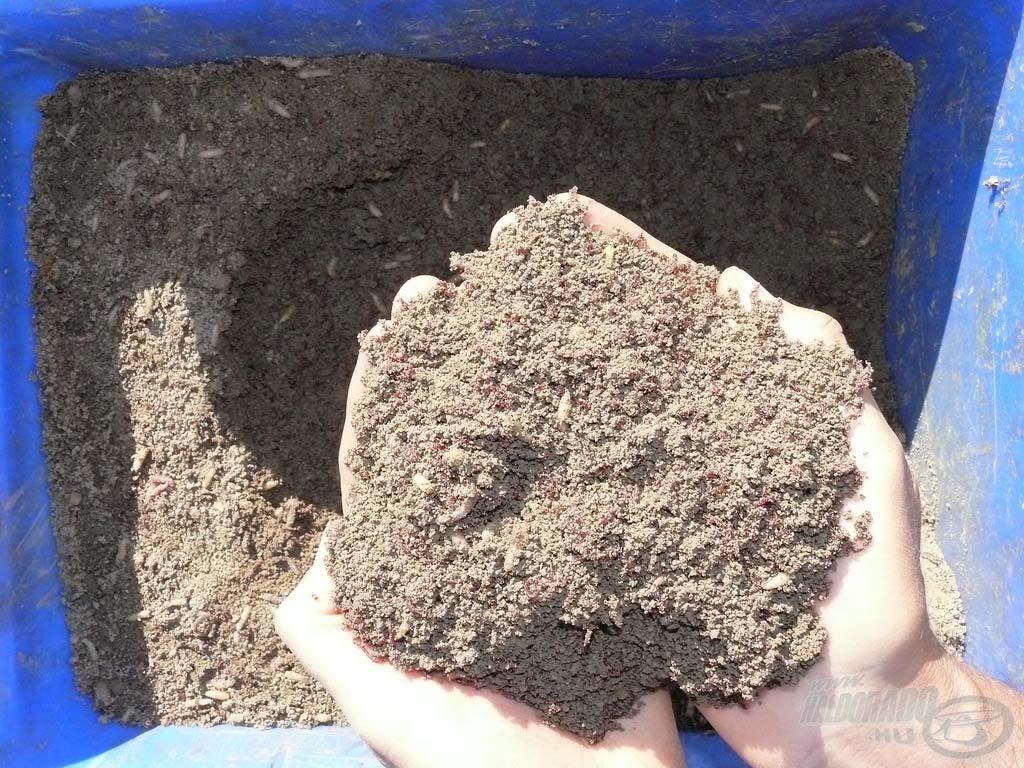 Az értékes élő anyagokat tartalmazó föld-mix