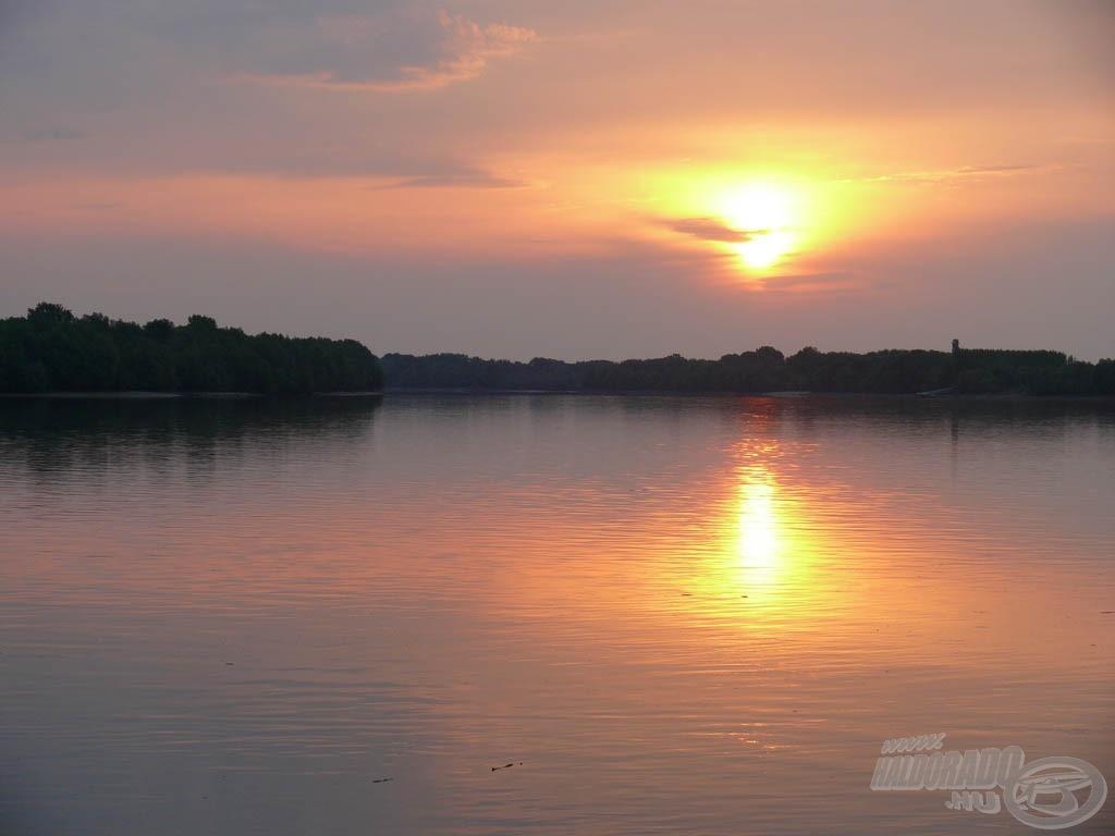 A napfelkelte már a vízparton talált minket