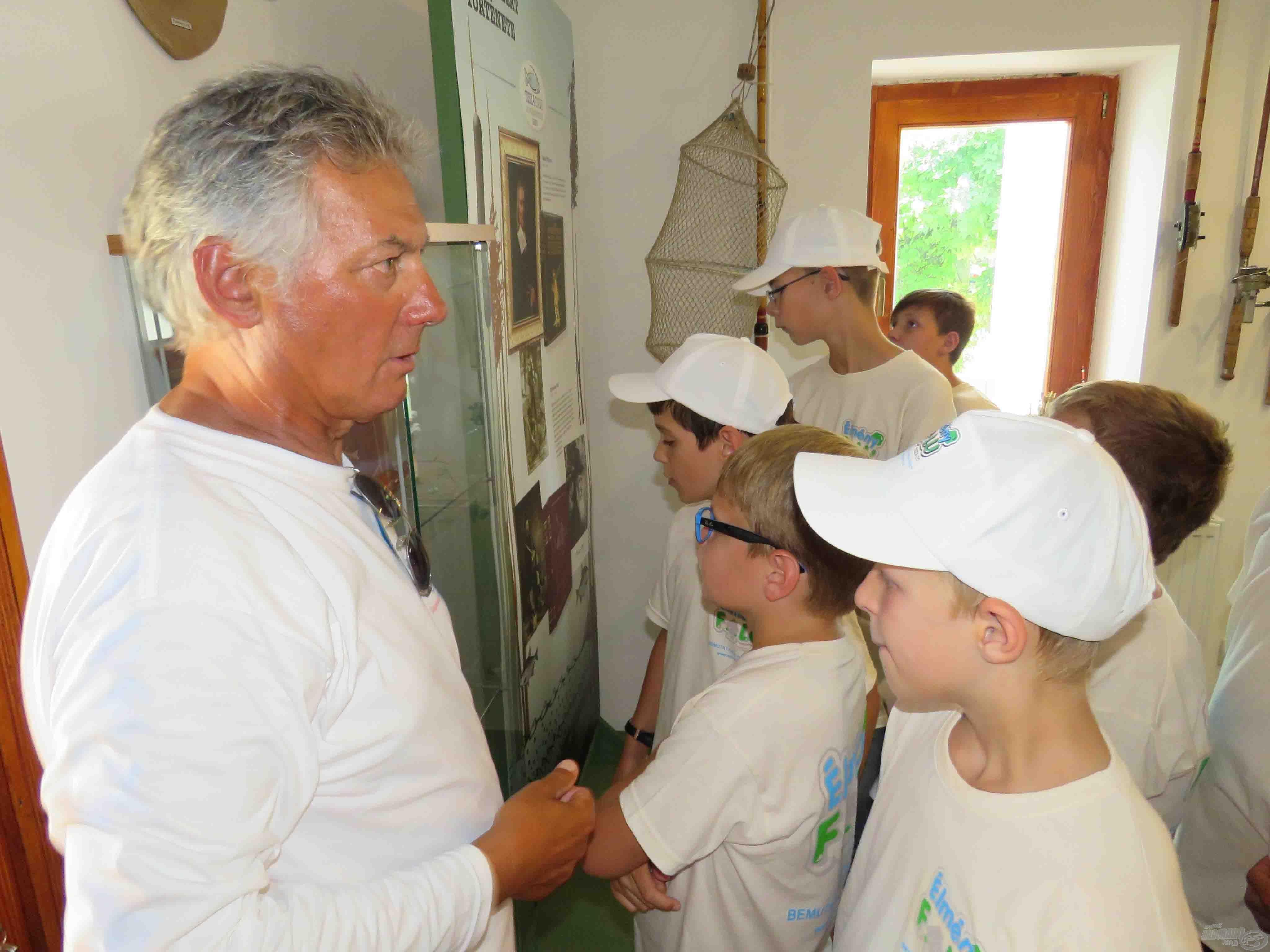 Gajdos Zoltán minden múzeumi tárgyról tud hasznos információkkal szolgálni