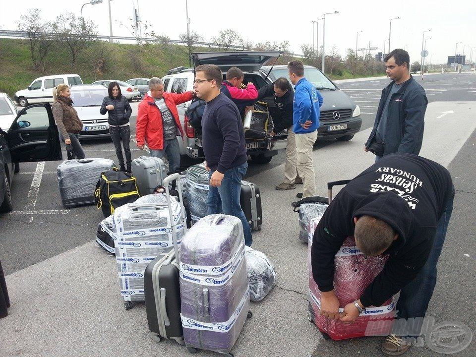 A 23 kilós súlyhatárt maximálisan kihasználva minden bőrönd megtelt az utazás előtt