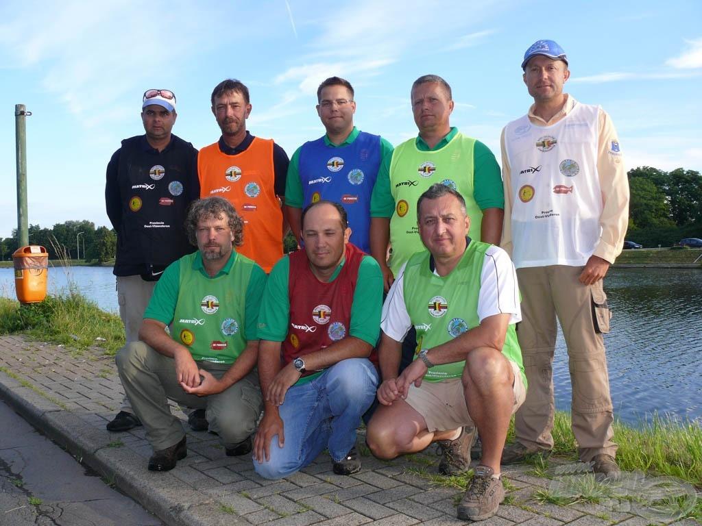 Az első fordulóra készülő csapat