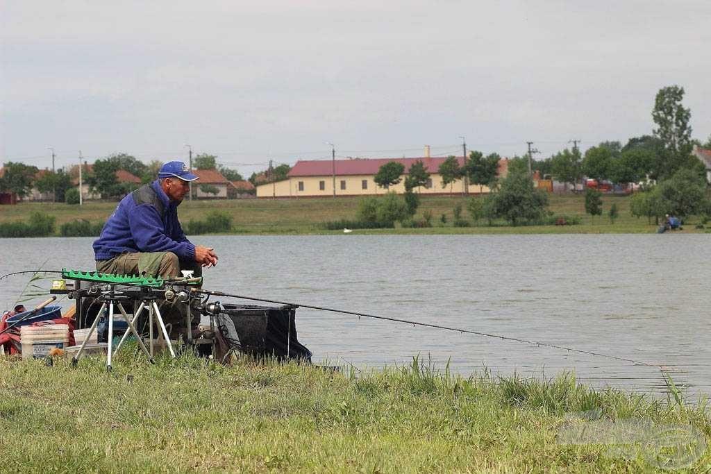 Sisa József szakmája festő, de megszállott versenyhorgász. Gyakorta a munka rovására megy a sok horgászat, de tudja, hogy eredményt csak így lehet elérni!
