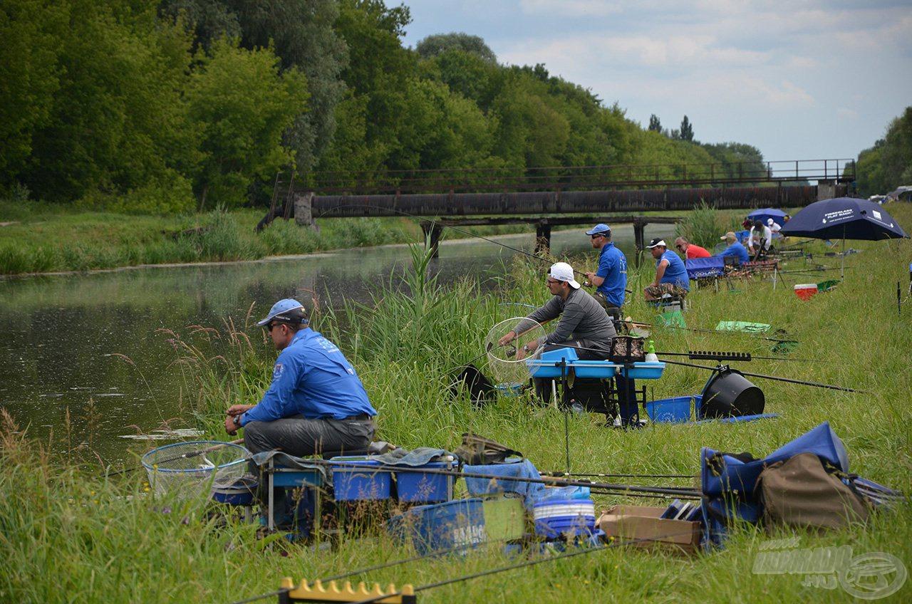 A versenyidő második felére ez a kép volt a jellemző, néha órák teltek el hal nélkül!