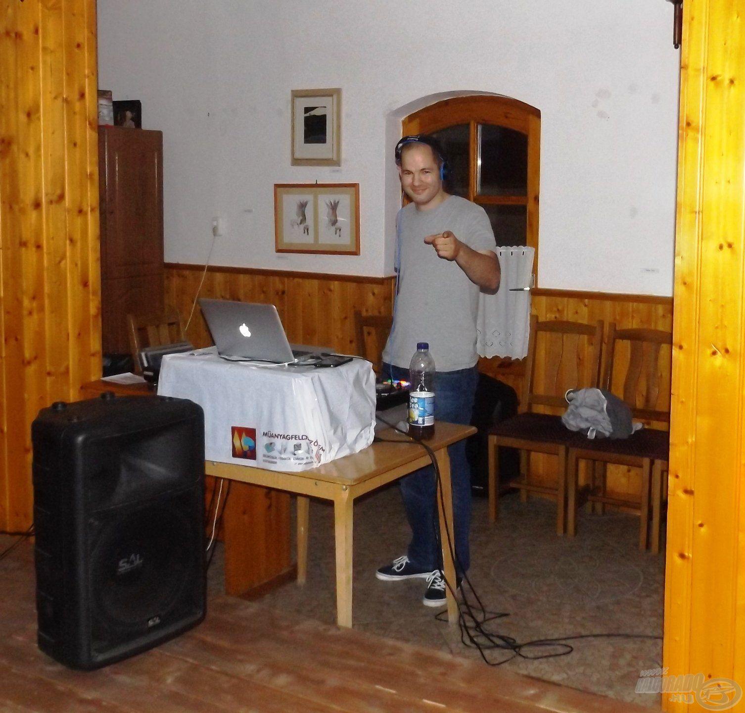 Nem feledkezhetünk meg a hangulatfelelősről, aki a talpalávalót szolgáltatta: DJ Kerekes Gureega Laci