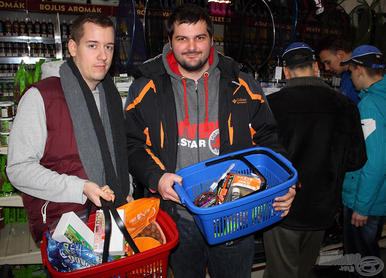 Az első látogatók már konkrét listával érkeztek, hogy a tavaszi horgászatokhoz szükséges termékeket beszerezzék