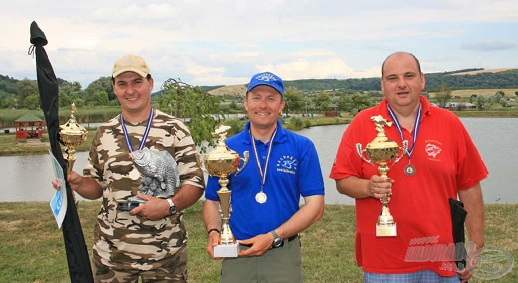 A fenekező kategória első három helyezettje