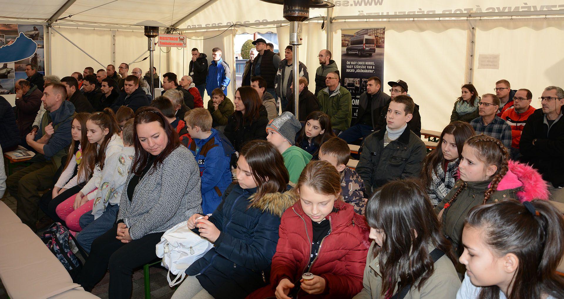 Nagyon sok fiatal is meglátogatta a XII. Haldorádó Pontyhorgász Napokat