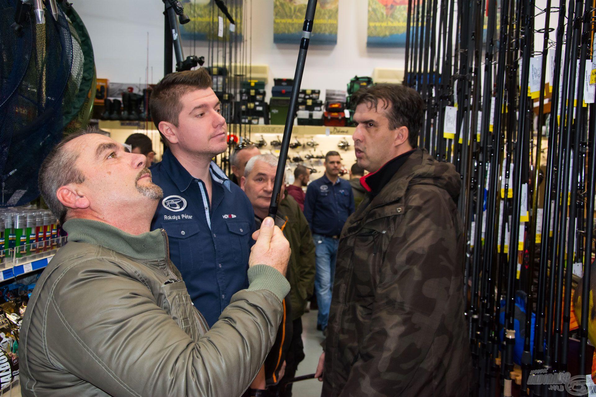 Rokolya Péter épp bojlis bot választásban segít