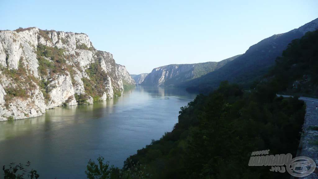 Csodálatos tájakat érintve utaztunk a világbajnokság helyszínéül szolgáló romániai Lac Corbu tóra