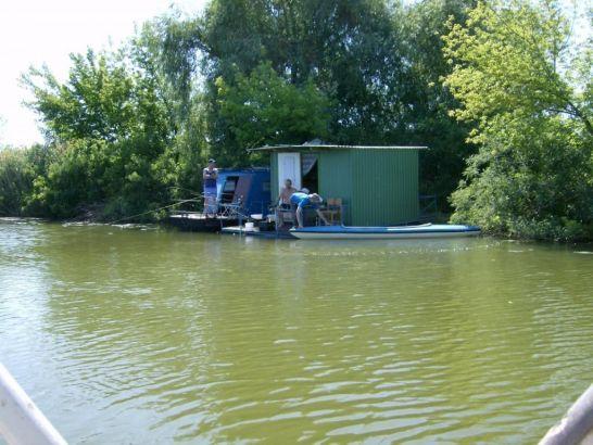 András Horgásztanya - Lakóhajók a Tisza-tavon