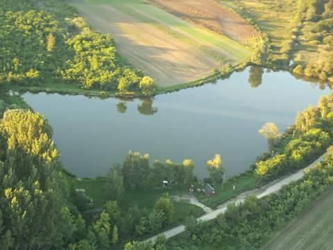 Jindra tó
